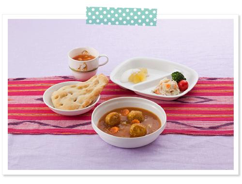 ナンと肉団子のカレー煮 (インド料理)